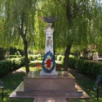 Otopeni - Obelisc