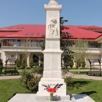 Cornetu sat, Cornetu comuna - Monumentul Eroilor morți pe câmpul de onoare