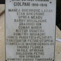 Ciolpani - Placă comemorativa lângă monumentul eroilor