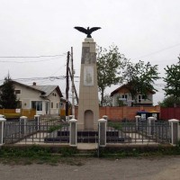 Piscu, Ciolpani comuna - Obelisc