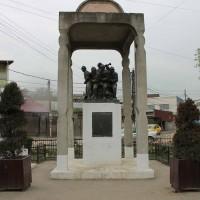 Pantelimon, oraș - Grup statuar